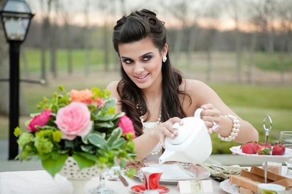 tea party hostess