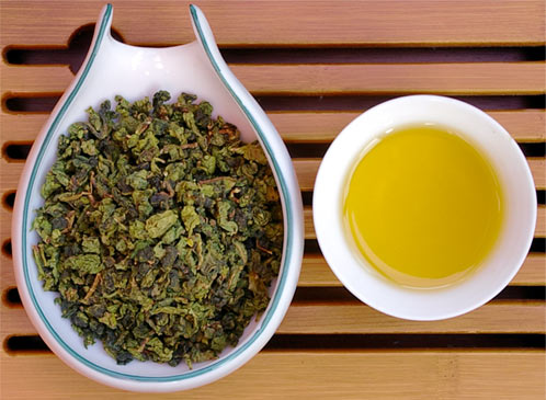Savoring the different tastes of Oolong teas