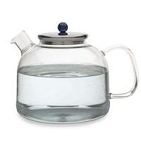 How does quality water enhance a tea's flavor?