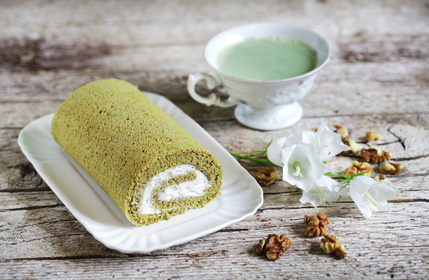 Matcha Green Tea Benefits in a Swiss Roll